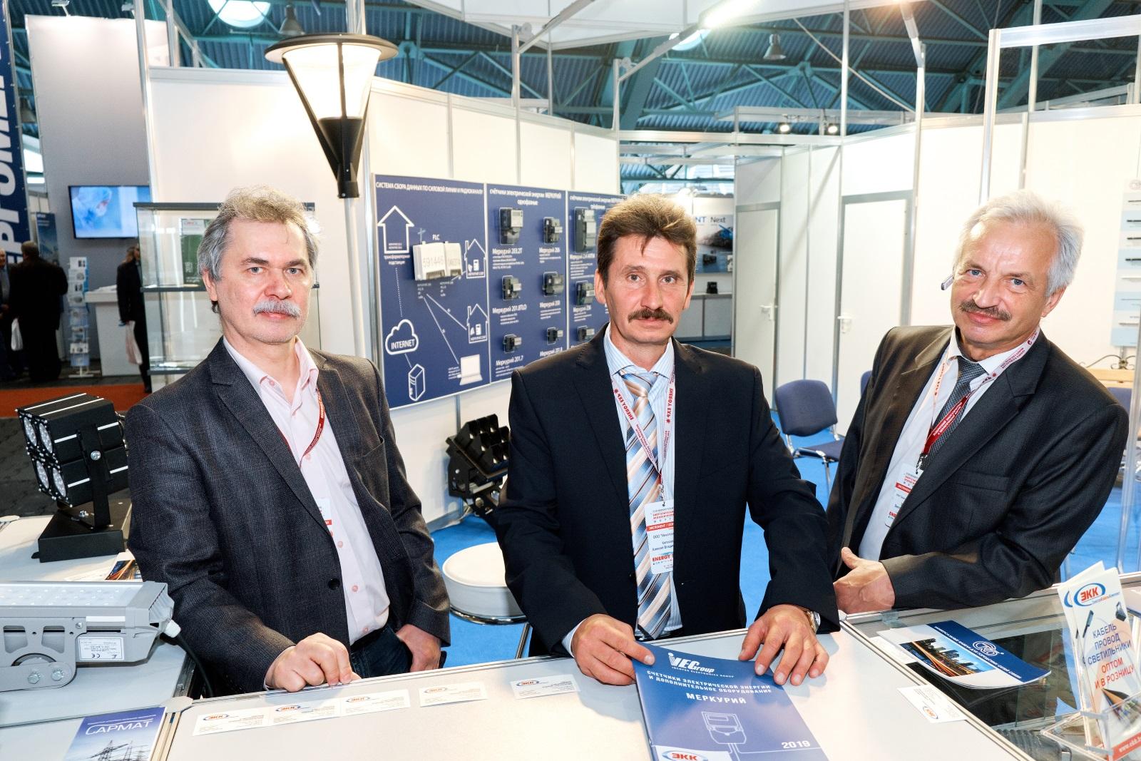 Специалисты INCOTEX Electronics Group
